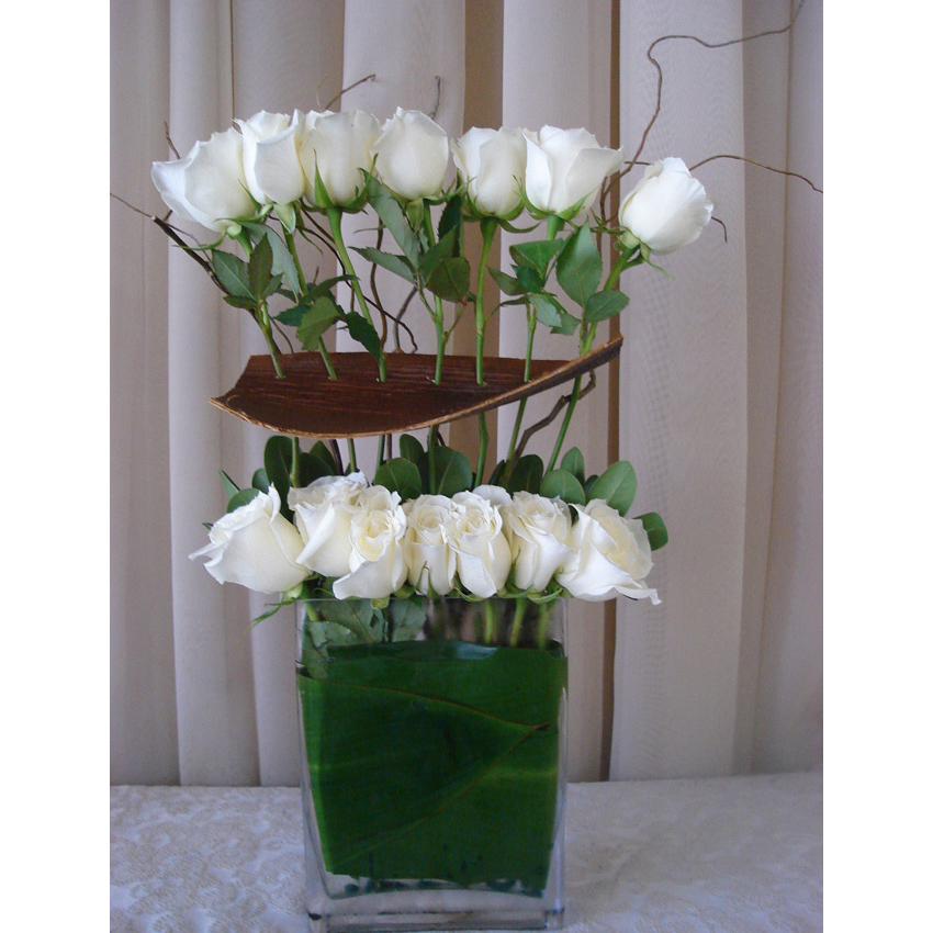 Send Tall Glass Rectangle w/ Roses, Ti & Palm