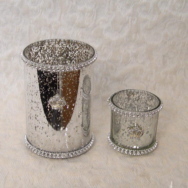 mirrored cylinder for flowers with rhinestones